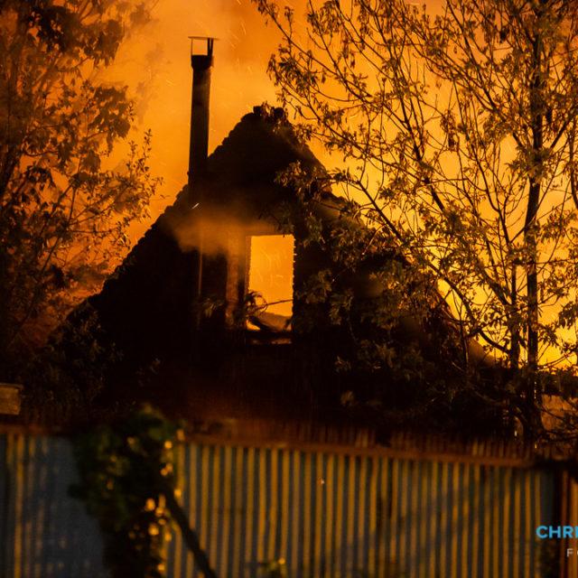 Leegstaand bedrijfspand uitgebrand aan de Spoorstraat